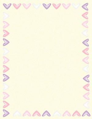 רקע צהבהב עם לבבות בצבעי פסטל