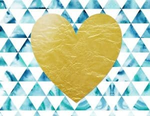 לב זהב על רקע כחול לבן